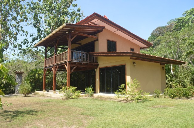2 story home Playa Pilon for sale