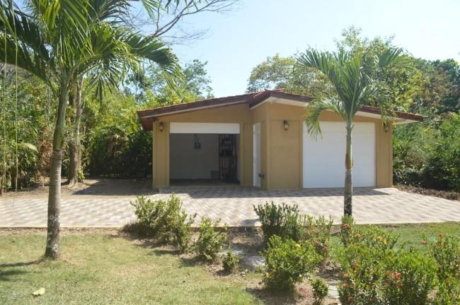 2 car garage home for sale near beach Pavones